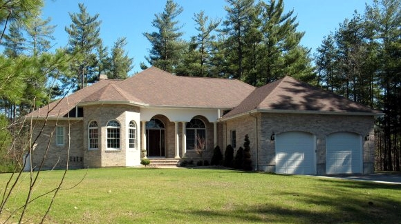 Florida ranch with in-law apartment in Londonderry New Hampshire